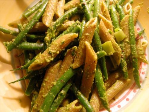 Whole Wheat Penne w/ Hazelnut Pesto & String Beans