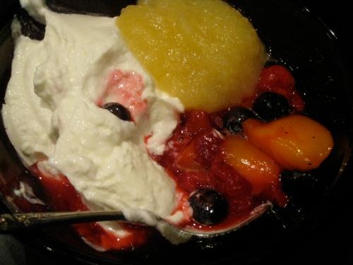 Greek yogurt/berries/applesauce
