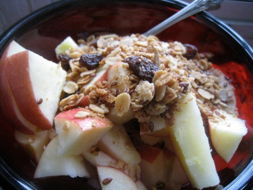 Granola, Apple & Greek Yogurt